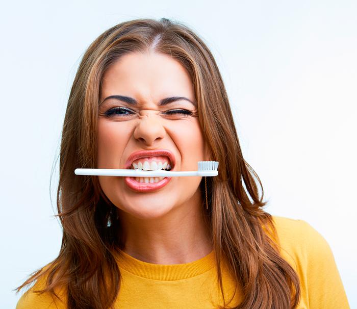 Какая зубная паста поможет избавиться от зубного камня